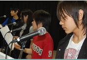 通信制高校の卒業と同時に専門技能を学び、プロとして活躍を目指す生徒の様子。
