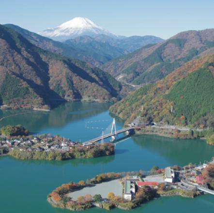 鹿島山北高等学校は通信制高校。本校は神奈川県山北市にあります。年1回のスクーリングは富士山を望む自然豊かな校舎で楽しく過ごせます。