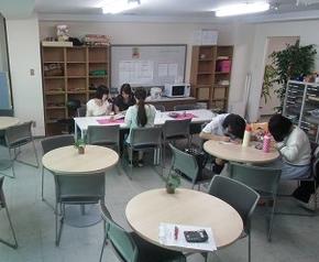 通信制高校鹿島学園高等学校平塚キャンパスの様子