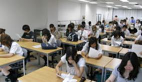 葵高等学院新潟校の様子
